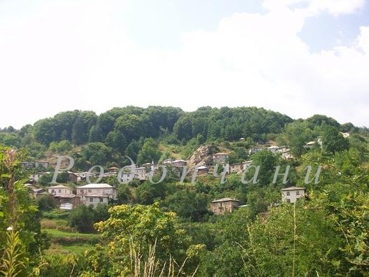 Рудоземско село от  40  години мечтае за асфалт