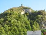 Около 50 човека се качиха на 1000 метра надморска височина да видят реставрирана крепост край село Кошница