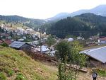 Въпреки липсата на сняг, родопско село се радва на туристи