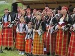 Най-старият ансамбъл за автентичен фолклор и 3-годишната Михаела веселиха гостите на събора в Стойките
