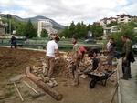 Френски младежи озеленяват  площите в Смолян