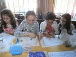 Деца изработиха герба на Смолян и карта на България от природни материали
