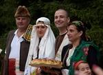 Изложба на кадри от възстановка на автентична родопска сватба и ще бъде експонирана в Хвойна