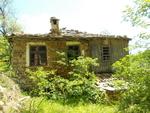 Щрихи от малките селца - между пустите къщи и живите паметници