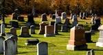 Овчар реституира селското гробище барабар с мъртъвците