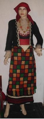 18-годишен смолянчанин изработи носия без един шев, прилагайки древно изкуство