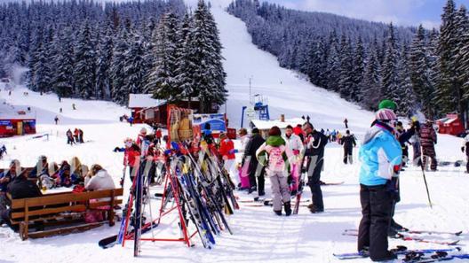 Ски зоната на Пампорово продължава да работи