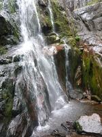 И в началото на ноември водопадите край Смолян са пълни с туристи