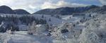 Гела е пълно с туристи, но заради малката снежна покривка, те карат ски на Пампорово