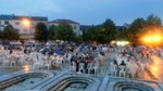 Стотици души се събраха в центъра на Момчилград на ифтар за Нощта Кадир