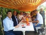 Мюсюлмани и християни на обща трапеза в Момчилград за празника на Свети Дух