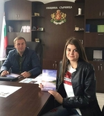 Ученичка от Родопите написа книга за родната Сърница