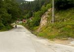 Най - после закърпиха опасен завой на пътя Рудозем - Чепинци