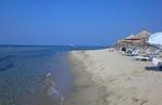 Българи пътуват през почивните дни на плаж на Бяло море, гърци идват да пазаруват в България