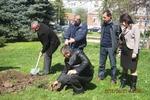 Сто дръвчета засадиха в Кърджали за Деня на Земята